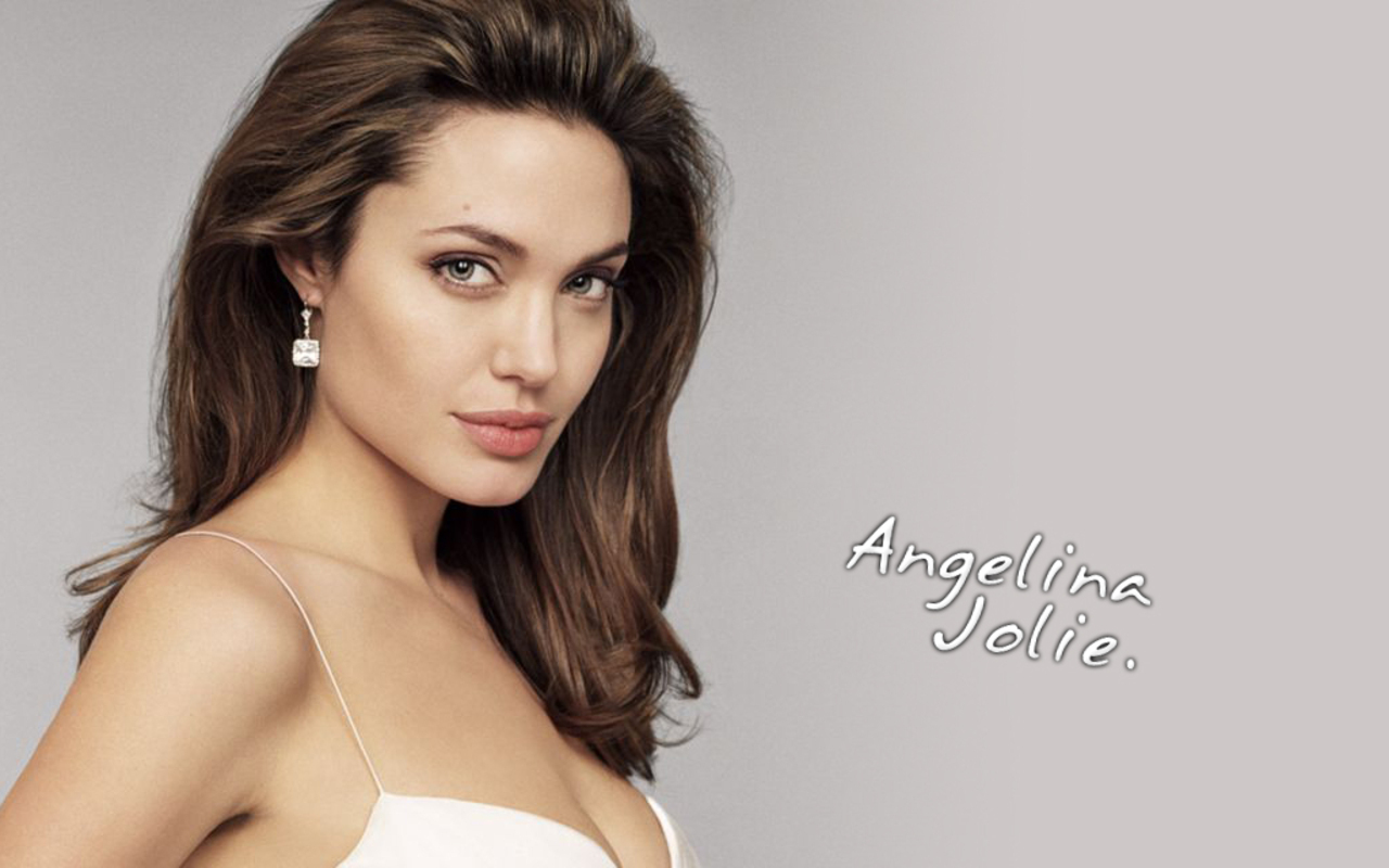 Best Angelina Jolie Movies to Watch online - Khaleej Mag