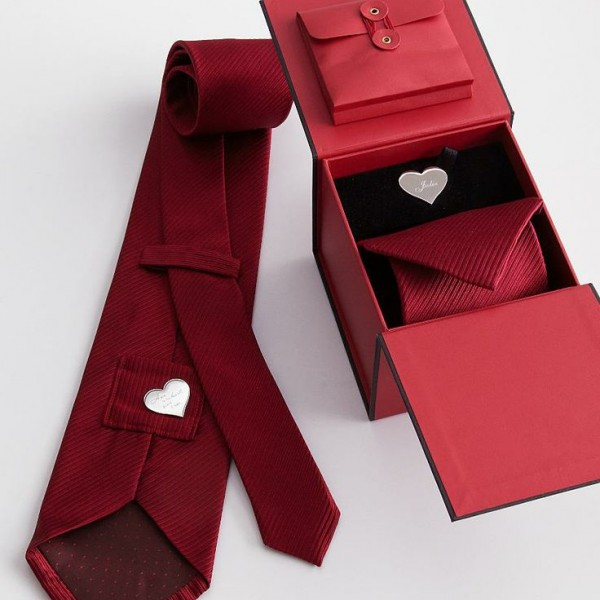 Romantic valentine day gifts for boyfriend khaleej mag for Valentines day guy gifts